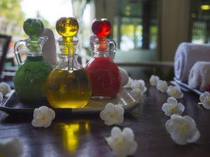 Přírodní oleje při masáži Lom