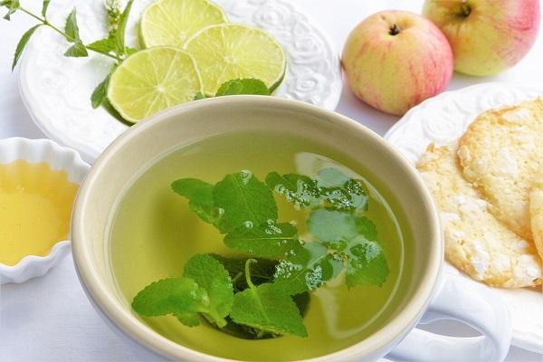 Pečený čaj v troubě s bazalkou, mátou a citronem, čaj trochu jinak