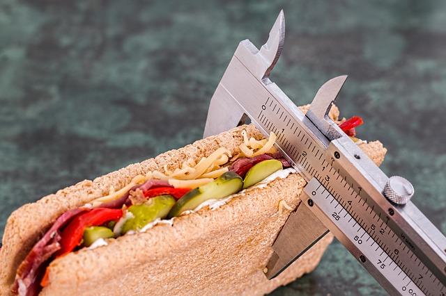 Kolik kilogramů potřebujete, chcete zhubnout? Vyzkoušejte tukožroutskou polévku