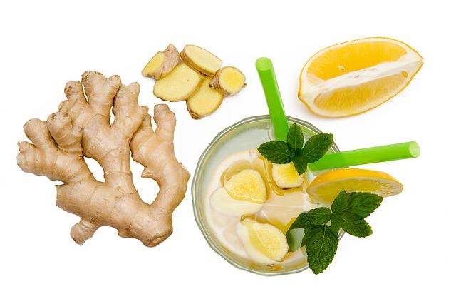 Recept na domácí sirup z ovoce nebo bylinek při nachlazení