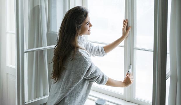 Proč atopici špatně snáší zimu? Ekzém může zhoršit suchý vzduch v přetopeném bytě!
