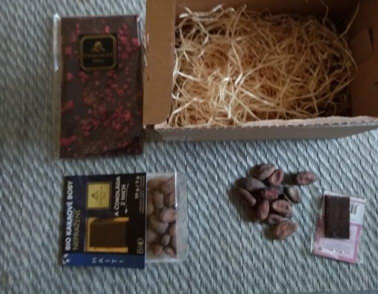 Recenze čokolády s malinami a skořicí od Chocolate Hill